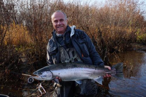 Michael Siemens hat seine Fisch des Lebens. Steel Head 1 m groß